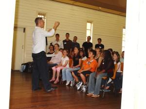 Leek_in_workshop_with_Eltham_East_Primary_School_Choir